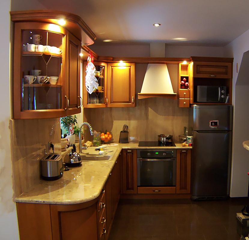 Kuchnie – Drewniane meble i schody na zamówienie -> Kuchnia Drewniana Koszt